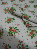 Strawberries tablecloth 65% polyester and 35% cotton, white terylen